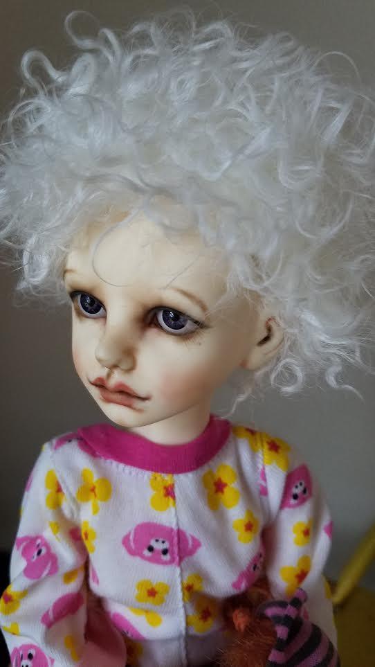 "7.5"" Natural white short wool"