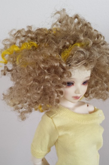 "6""-7"" Faux mohair with yellow streaks"