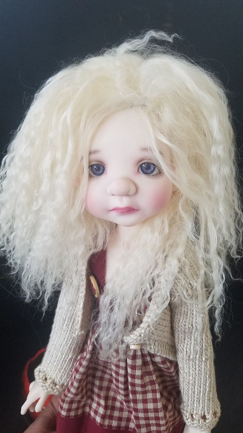 "8"" Pale yellow blonde mohair"