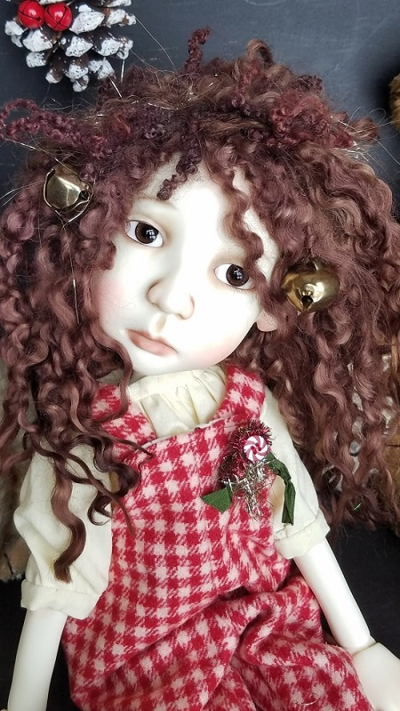 "11-12"" Stella wig with jingle bell"